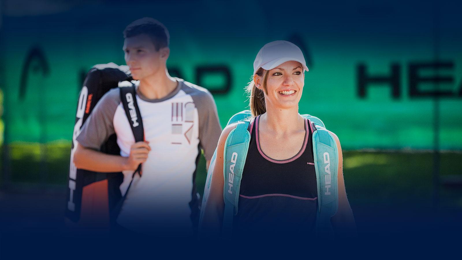 Erwachsene nach dem Tennis training
